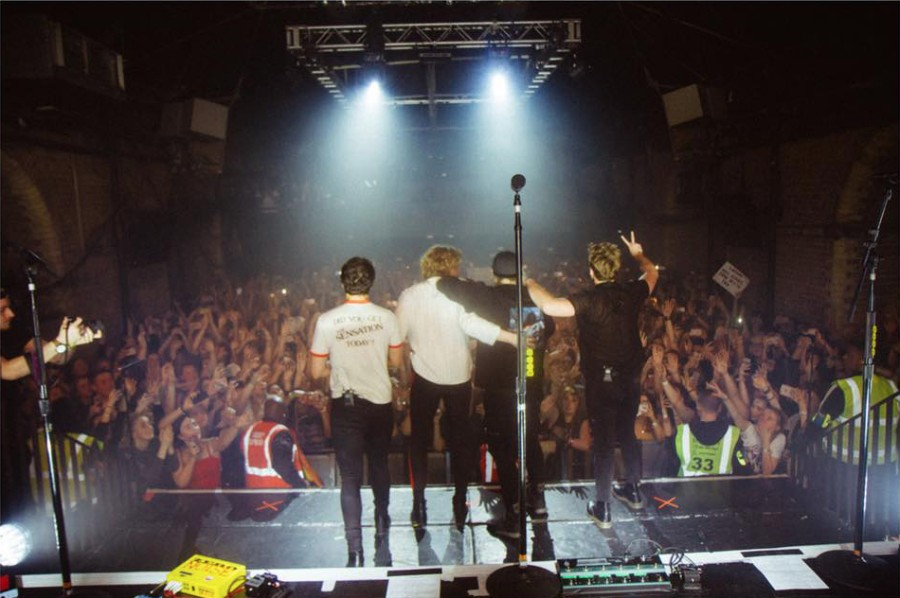 5 Seconds Of Summer Premieres New Music For Youngblood Live Version Pm Studio World Wide Music News