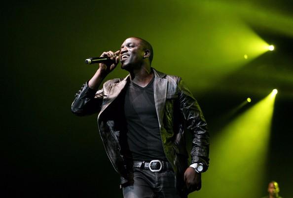 "American singer-songwriter Akon Premieres New Song ""Jumping"