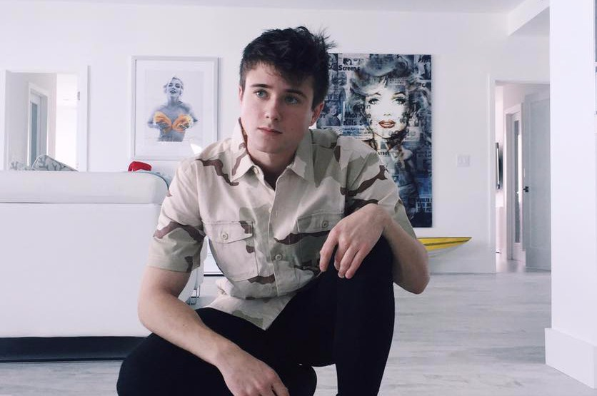 Alec Benjamin Premieres New Music Video For I Built A Friend Pm
