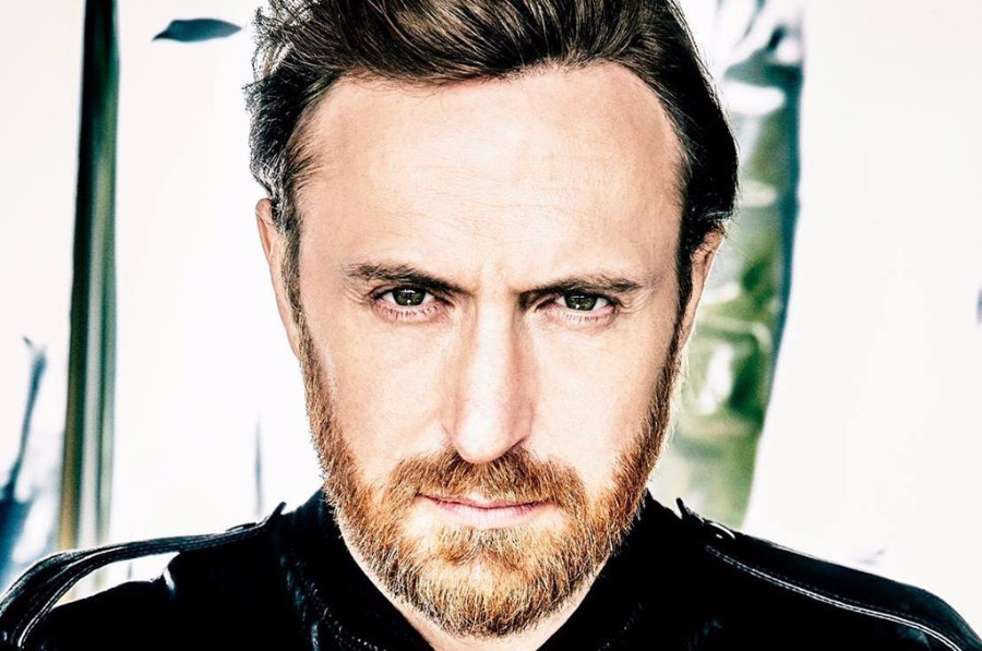 """David Guetta Premieres New Song """"Light My Body Up"""" Featuring"""