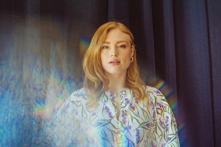 Freya Ridings Premieres New Music Video For Castles Pm