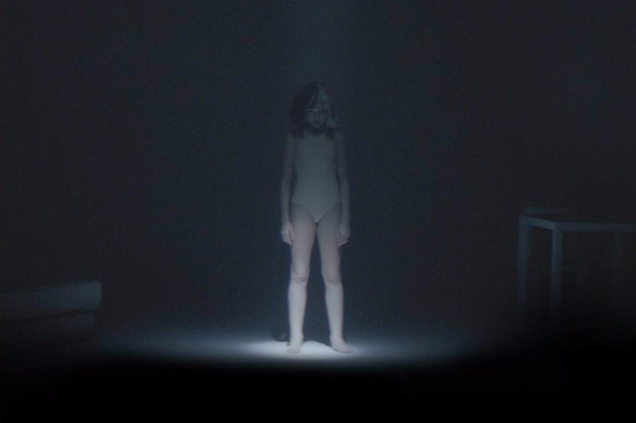 Sia Performs Chandelier Sia performs the greatest and chandelier at apple iphone 7 event has held apple special event at san franciscos bill graham civic auditorium where sia delivered the live debut of her new single the greatest audiocablefo